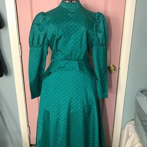 Dresses & Skirts - Vintage Victorian Style Colonial Style Dress